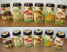 sada dóz na orechy (č. Coffee Jar Crafts, Coffee Jars, Plastic Bottle Crafts, Recycle Plastic Bottles, Small Bottles, Bottles And Jars, Glass Bottles, Decoupage Jars, Irish Decor