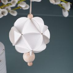 Easter ornament made of paper Norway Design, Paper Ornaments, How To Make Ornaments, Wooden Beads, Step By Step Instructions, Art Education, Crafts For Kids, Table Lamp, Easter