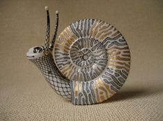 Anya Stasenko and Slava Leontyev Animal Sculptures, Sculpture Art, Ceramic Pottery, Ceramic Art, Snail Art, Yoga Illustration, Snail Shell, Ceramic Animals, Clay Figures