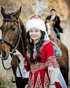 Kazak Türk kızı ve atı