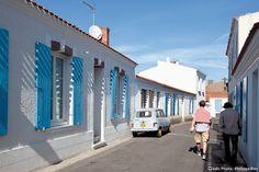 Île d'Yeu, petite rue typique de Port-Joinville