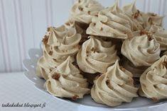 Tarun Taikakakut: Kinuskiset marengit / Fariinimarengit Cookie Recipes, Dessert Recipes, Tasty Bites, Cakes And More, Bread Baking, Yummy Cakes, No Bake Cake, Afternoon Tea, Sweet Recipes