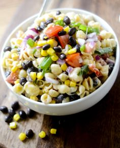 Mexican Macaroni Salad - not sure about the entire salad, but the sauce sounds amazing! Not sure wha Blt Pasta Salads, Pasta Salad Recipes, Blt Salad, Mexican Macaroni Salad, Mexican Pasta, Weight Watchers Salad, Soup And Salad, Food Network Recipes, Healthy Dinner Recipes