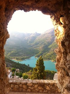 Guadalest - Alicante , Spain ( ah rally want to go to spain ) Spain And Portugal, Portugal Travel, Spain Travel, Places To Travel, Places To See, Moraira, Bilbao, Adventure Is Out There, Travel Around The World