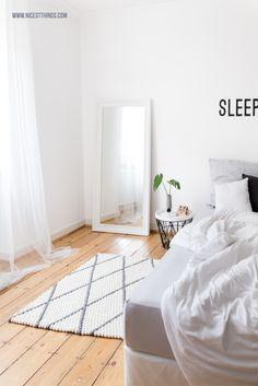 Filzkugelteppich mit Rautenmuster fürs Schlafzimmer   Nicest Things - Food, Interior, DIY: Filzkugelteppich mit Rautenmuster fürs Schlafzimmer