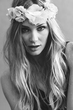Cabelo e coroa flores