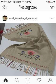 El nakişi Cross Stitch Borders, Cross Stitch Flowers, Cross Stitch Embroidery, Embroidery Patterns, Bargello, Diy And Crafts, Canvas, Vintage, Face Towel