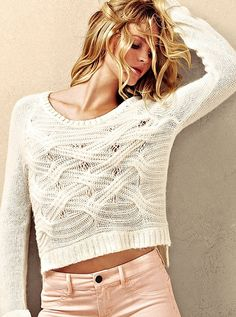 Boyfriend Sweater (in winter white) and VS Siren Ankle-zip Legging (in bisque) - Victorias Secret Passion For Fashion, Love Fashion, Womens Fashion, Fashion Styles, Cute Sweaters, Sweaters For Women, Chunky Sweaters, Cable Sweater, Fall Sweaters