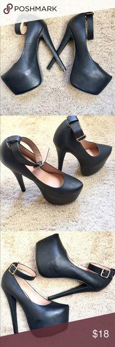 "Glaze Mary Jane Style Platform Stilettos 💕🔥Glaze Mary Jane Style Platform Stilettos in Size 6.5. Awesome platforms in black and in great used condition. Heel 6.5"" , Platform 3"".🔥💕 Glaze Shoes Platforms"