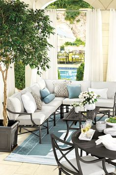 Arrange your porch with an outdoor sectional