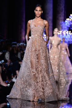 Elie Saab wowed the Paris Fashion Week crowd with a showstopping wedding dress, but that wasn't the only look that had me hearing wedding bells. Lace Dresses, Pretty Dresses, Prom Dresses, Short Dresses, Couture Dresses Gowns, Elie Saab Couture, Couture Fashion, Fashion Show, Elle Fashion