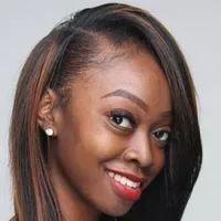 3 Ways to Follow the Curly Girl Method for Curly Hair - wikiHow Diy Ombre Hair, Ash Blonde Hair, Dark Hair, Platinum Blonde, White Hair, Damp Hair Styles, Curly Hair Styles, Natural Hair Styles, Growing Your Hair Out