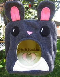 Chinnie Cube made by Chinny Boutique.... So cute for chinchillas