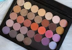 large z palette containing makeup geek shadows single eyeshadow collection review and swatches BEST MAKEUP GEEK eyeshadows