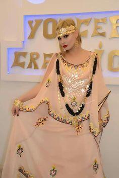 Traditionnels 2015 Wedding Dresses, Prom Dresses, Turquoise Tassel Earrings, Amazing Pics, Traditional Dresses, Kaftan, Ideias Fashion, Chic, Clothes