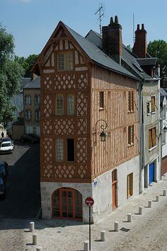A pinner writes: My heart aches for Orléans.    House in Orleans, Central France
