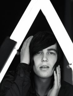 Kellin Quinn of Sleeping with Sirens >>> oh good lord geesus.O he's a gorgeous motherfucker. Emo Bands, Music Bands, Rock Bands, Kellin Quinn, Love Band, Falling In Reverse, Sleeping With Sirens, Black Veil Brides, Pierce The Veil