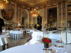 Read about this meal at Food Snob Wonderful Places, Beautiful Places, Le Meurice, Great Hotel, Paris Hotels, Table Decorations, Dining, Grand Tour, Luxury Hotels