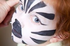jungle face painting- great idea for zoo birthday Animal Face Paintings, Animal Faces, Face Painting Designs, Body Painting, Zebra Face Paint, Zebra Kids, Zoo Birthday, Birthday Parties, Jungle Party