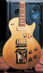 Tom Scholz's Gibson Standard 1968 Mighty Mouse Signature