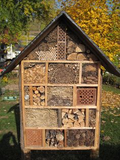 Build your own insect hotel more than environmental protection garten build Environmental Garten hotel Insect Protection Bug Hotel, Landscape Design, Garden Design, Bugs And Insects, Backyard Landscaping, Sloped Backyard, Environment, House Styles, Nester