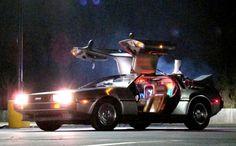 """El auto que viajaba por el tiempo en la película """"Volver al Futuro"""" es, hasta la fecha, un objeto de deseo entre los fans de la trilogía."""