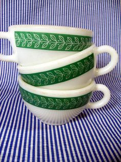 Vintage Corningware leaves...love these! My mom still has these in red.