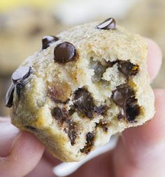 Skinny Chocolate Chip Banana Muffins