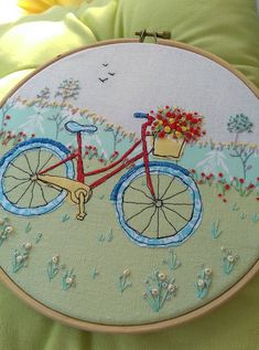 Freemotion machine embroidery by Helen Newton, lots more in my Etsy shop. Cute Embroidery Patterns, Embroidery Hoop Crafts, Tambour Embroidery, Free Motion Embroidery, Flower Embroidery Designs, Simple Embroidery, Hand Embroidery Stitches, Free Motion Quilting, Embroidery Applique