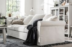 IKEA GRÖNLID is a sofa in traditional style with rounded armrests, floor-length washable covers, and a versatile multi-cushion backrest. Ikea Living Room, Small Living Rooms, Living Room Furniture, Ektorp Sofa, Ikea Inspiration, Ikea Interior, Interior Design, Ikea Bank, Ikea Couch