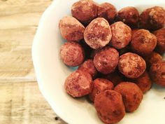 Chocolate truffles, sugrafree, dairy free & gluten free. Delicious, easy and healthy!