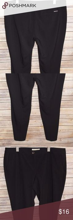 """Michael Kors Tapered Leg Ankle Pants Size 14 HW645 Michael Kors  Tapered Leg Career Office  Pants   Women's Size: 14 Color: Black   Ankle Length   64% Polyester 32% Rayon 4% Spandex   Measurements were taken with garment laying flat and are approximate:  Rise: 10""""  Waist: 38""""  Inseam: 29"""" Michael Kors Pants Ankle & Cropped"""