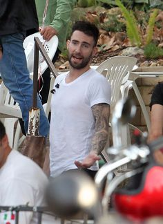 43 celebrities that share our opinion of Yoga. Just give it a try, you are going to love it! Plus you might run into Adam levine while doing so.... ;) #adamlevine #yoga