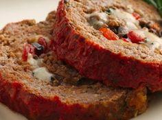 Receita de Bolo de Carne Moída Recheado - bolo quebrasse quando o cortei. É uma delícia, fácil de modelar e de... http://cybercook.com.br/receita-de-bolo-de-carne-moida-recheado-r-3-11326.html