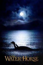 The Water Horse (2007) Horse Movies, Types Of Magic, Horse Posters, Sci Fi Shows, Night Background, Marvel Movies, Hd Movies, Sea Creatures, Australia