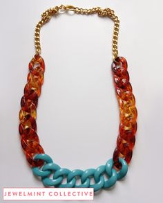 tortoise and turquoise acrylic chain links. great necklace