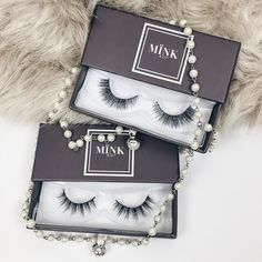 #bbloggers How stunning are these @minkcompany lashes!?  They are made with Serbian Fur and better still are 100% cruelty free! I'm so happy with my first set of mink lashes and the packaging is so cute! Thank you so much @minkcompany I can see what the fuss is about!  If you want to see how dramatic they look on check out my latest video - click on the link in the bio. I'm in love!!