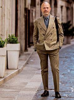 自宅を突撃!南イタリアで注目される高級セレクト店オーナーのスタイルとは? | メンズファッションの決定版 | MEN'S CLUB(メンズクラブ)