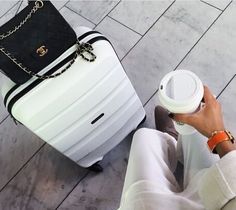 Business travel outfits, business trip packing, business style, travel tips, work travel New Travel, Solo Travel, Luxury Travel, Travel Style, Travel Bags, Travel Fashion, Women's Fashion, Vacation Style, White Fashion
