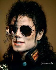 Shanghai, Michael Jackson Neverland, Michael Jackson Quotes, Mike Jackson, The Jacksons, Tv, Joseph, Sunglasses Women, Instagram