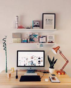 who wants a desk like this? #deskgoals  #coworkingspace #teamwork #teamwork #startuplife #workspace #entrepreneur