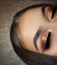 Best Ideas For Makeup Tutorials Picture Description Shadows: Violet Voss Holy Grail palette. Glitter: Copperella from Liner: Gel Eyeliner in Midnight. Brows: Dipbrow in Ebony. Glam Makeup, Cute Makeup, Pretty Makeup, Skin Makeup, Makeup Inspo, Makeup Inspiration, Beauty Makeup, Prom Eye Makeup, Makeup Style