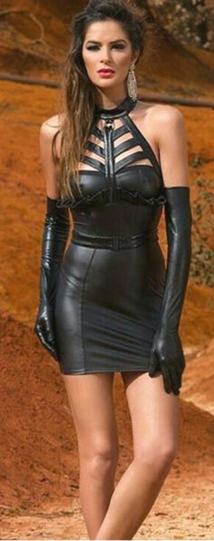 Leather Mini Dress, Leather Dresses, Vinyl Dress, Latex Dress, Beautiful Women Pictures, Leather Gloves, Sexy Outfits, Second Skin, Mistress