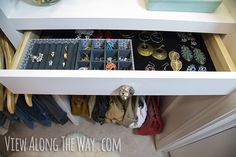 DIY jewelry drawers! Make the whole drawer and a DIY velvet lining yourself!