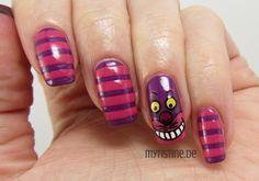 Cheshire Cat Nails mit Break Through (ESSENCE, Colour & Go Nail Polish)