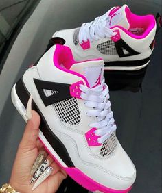 Cute Sneakers, Best Sneakers, Sneakers Fashion, Shoes Sneakers, Jordans Sneakers, Air Jordans, Fashion Outfits, Black Nike Shoes, Nike Air Shoes