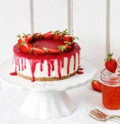 Ihr Lieben, was wäre ein Wochenende ohne Törtchen? Und was wäre ein Törtchen ohne Erdbeeren? Zumindest momentan nicht vorstellbar, oder?Es vergeht kaum ein Tag an dem wir uns nicht ein Schälc…