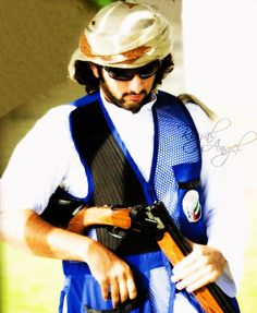 His Highness Sheikh Hamdan Bin Mohammed Bin Rashid Al Makt… Beautiful Horse Pictures, Beautiful Horses, Handsome Prince, My Prince Charming, Prince And Princess, Dear Friend, The Great Outdoors, Royalty, Memories