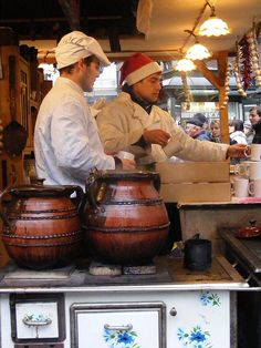 @L a Travel Junkies Mulled Wine for Christmas un Budapest, Hungary