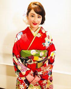 いいね!32件、コメント1件 ― 平 祐奈|Yuna Tairaさん(@yunataira_official)のInstagramアカウント: 「大ヒット舞台挨拶ありがとうございました。感謝、感謝です。夜分遅くに失礼します。取り急ぎお礼まで…#みせコド #未成年だけどコドモじゃない #西善商事」